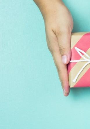 10 motive ca să faci un cadou