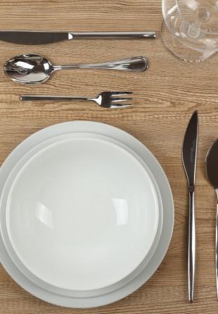 Codul bunelor maniere: cum așezăm masa