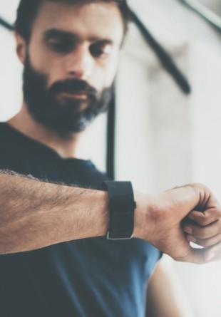 Gadgeturi indispensabile unui bărbat activ